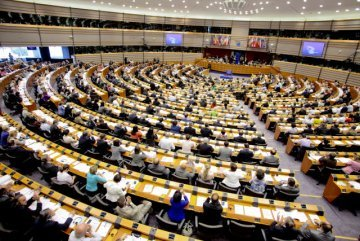 Can a separation of the European Parliament be the solution ?