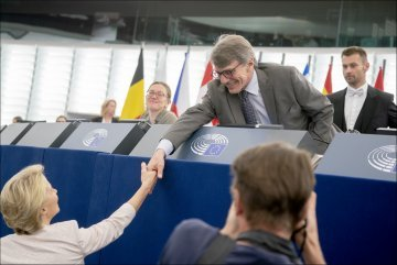 Review : How is the 2019–2024 EU political spectrum taking shape ?